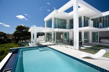 desain interior kolam renang minimalis