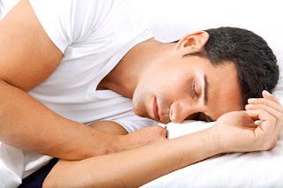 Merasa kelelahan yang berlebihan, kebanyakan tidur serta menarik diri dari kehidupan sosial