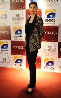 Mahira Khan PFDC Sunsilk Fashion Week 2011   Red Carpet DAY 1 & 2