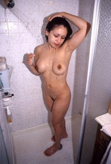 Bangalore Aunty Nude Bathing