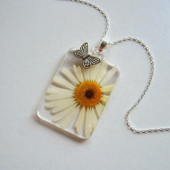 https://www.etsy.com/listing/173846380/white-daisy-and-butterfly-real-flower?ref=favs_view_10