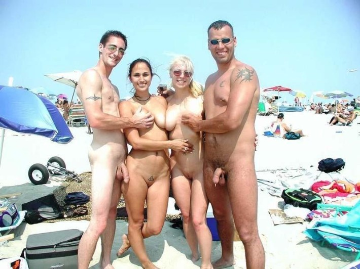 foto pareja desnuda playa nudista: