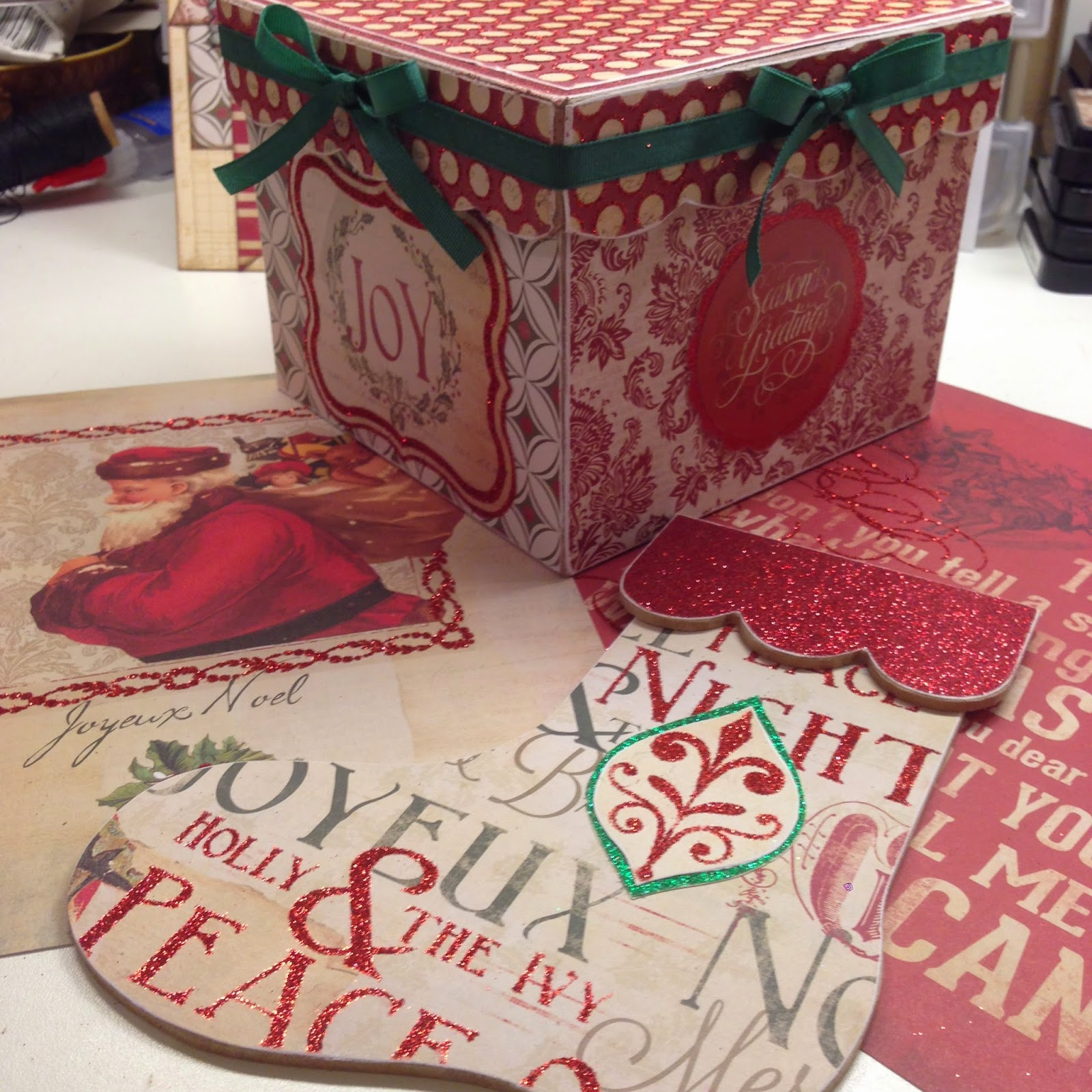 Plays Well With Paper: Christmas Center Piece My Mind's Eye Joyous