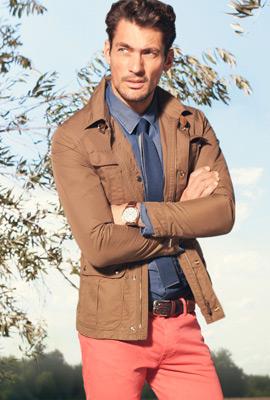 Massimo Dutti primavera 2013 lookbook chaqueta sahariana y pantalón tejano hombre