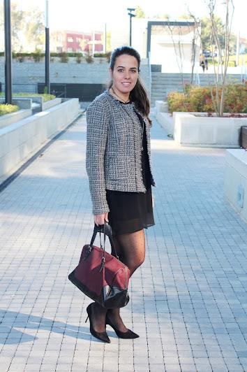 http://www.simply2wear.com/2015/11/look-132-black-dress.html