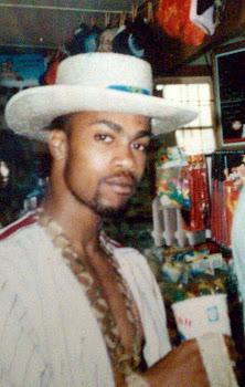 Remember Da 80s...Gold jewelry gizzy,ThrowBack Jerzy..Me & Kane had  similar styles