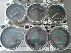 vários conta km 180 e e 140 km/h