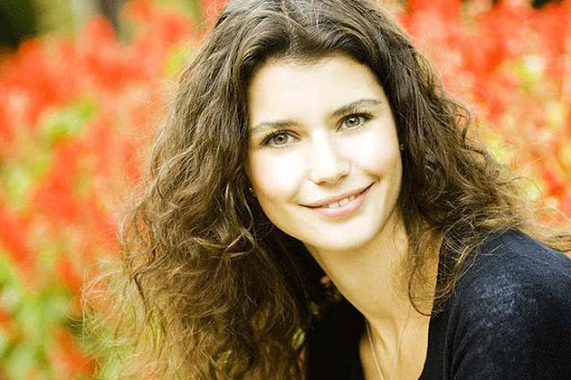 Beren Saat HD Wallpapers Free Download