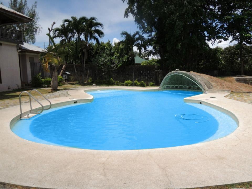 Beach House Calatagan The Pool