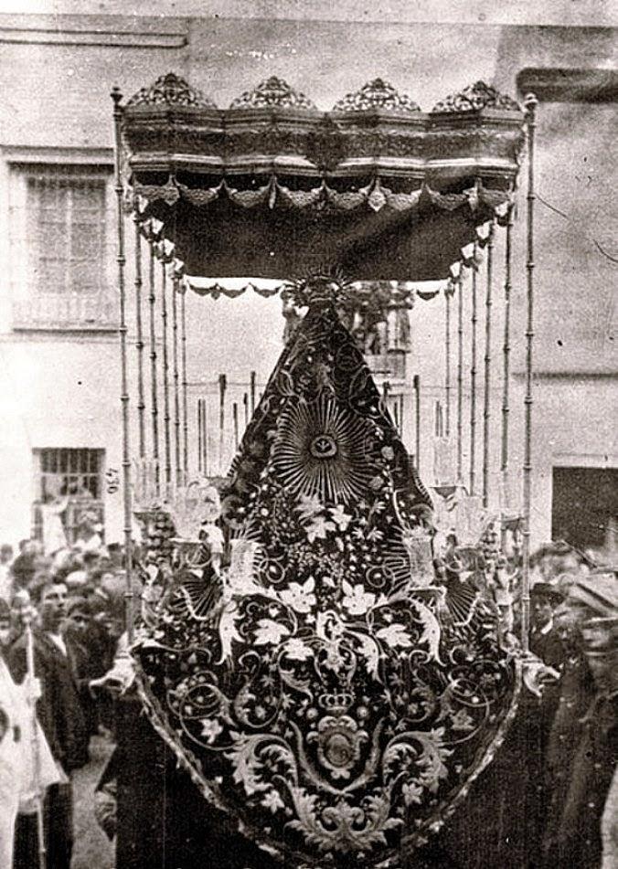 Manto de los Soles hermanas Antúnez Virgen de la O 1880
