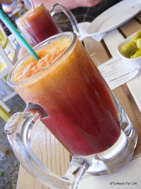 Mixed Fruit Juice At İksirci Tezcan