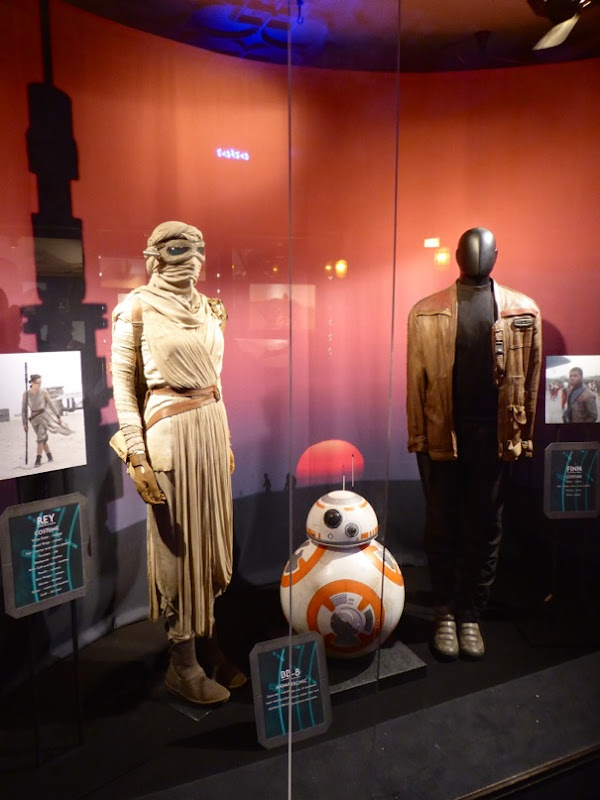 Rey Finn costumes BB-8 Star Wars Force Awakens