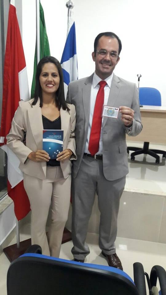 Vagner B. Montalvão - recebendo Carteira da OAB