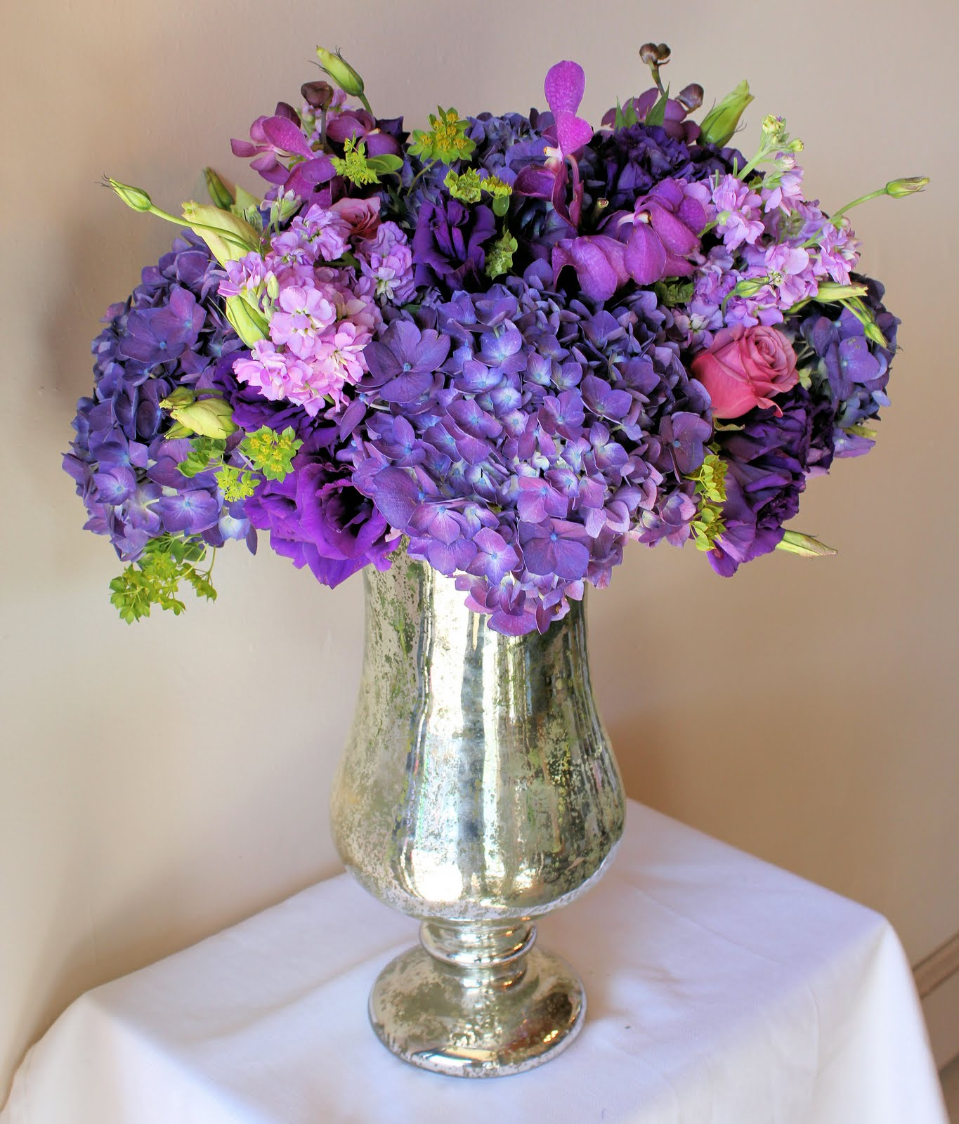 The brilliant a passion for purple wedding flowers