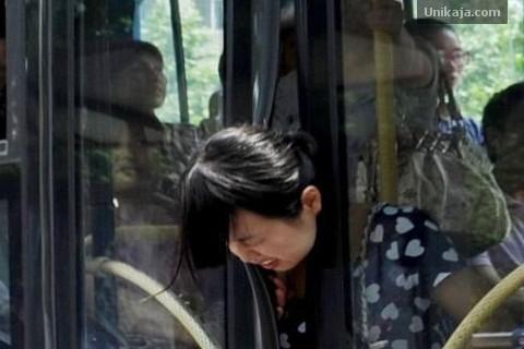 Ibu Hamil yang Terjepit Bus Mayasari
