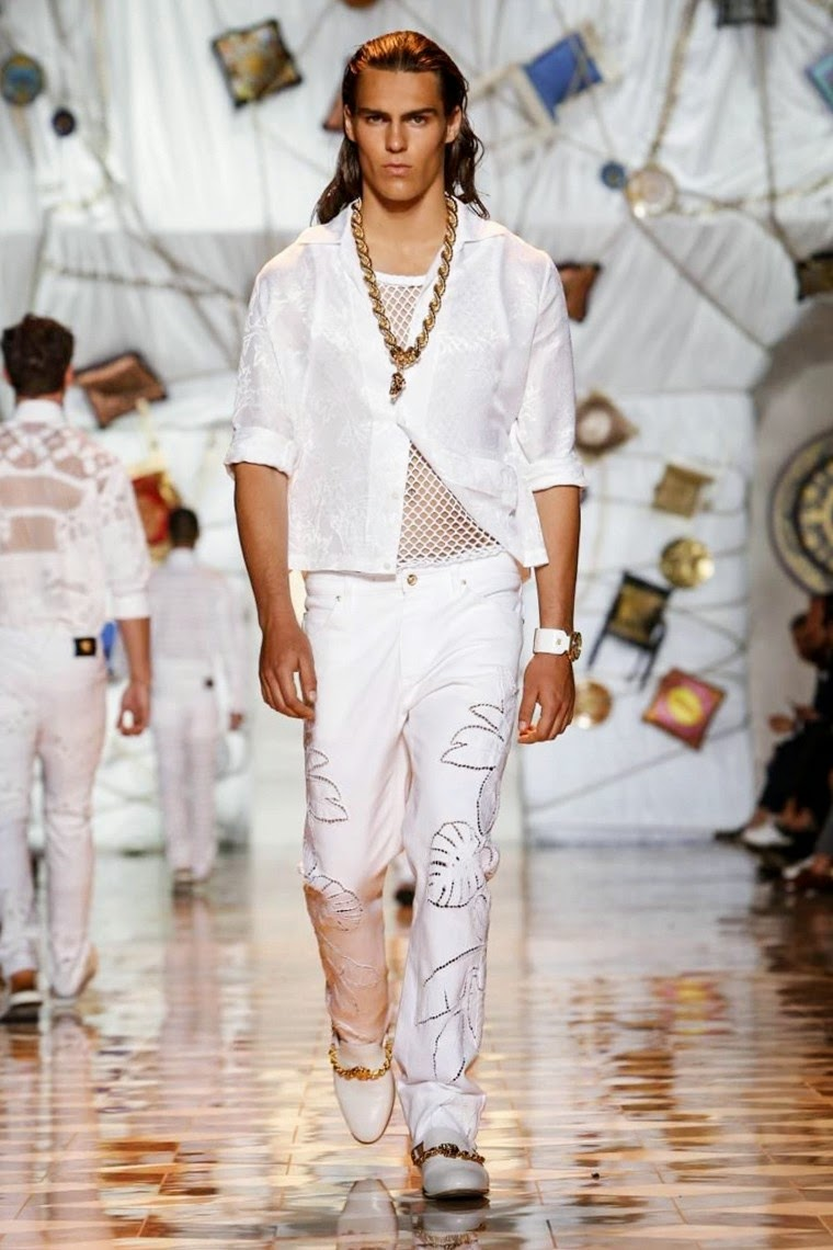 VERSACE, versace-spring-summer, versace-spring-summer-2015, versace-menswear, versace-milan-fashion-week, milan-fashion-week-2014, mfw, mode-homme, du-dessin-aux-podiums, dudessinauxpodiums, moda-uomo, vestiti-online, blazers-for-men, outlet-online, costume-homme-mariage, abiti-eleganti, b&b-paris, trench-homme, abiti-da-sera, costume-homme, abiti-cerimonia, shopping-on-line, mens-wedding-suits, mens-fashion, mode-fashion