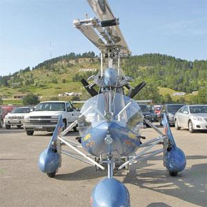 APABILA tidak terbang, kipas pada kenderaan ini boleh dilipat supaya dapat dipandu di jalan raya.