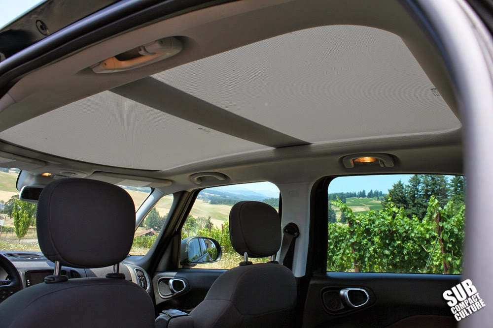 Fiat 500L sunroof