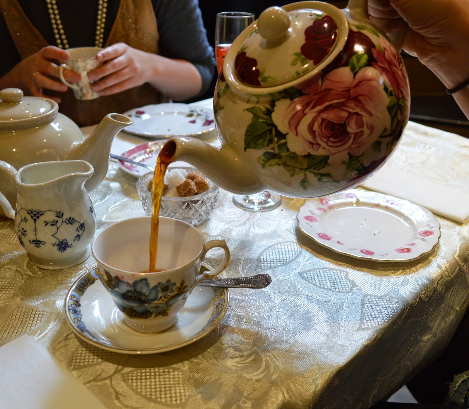 Betty Blythe, London, tearooms, afternoon tea, review, Kensington, photos, dressing up box, 1920s vintage, celebration, pictures,