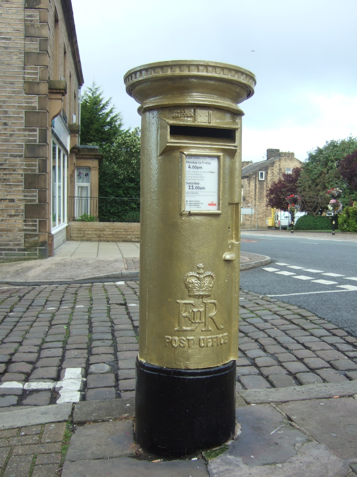 http://3.bp.blogspot.com/-6dUZLrSWK1M/UCJuGPl8wHI/AAAAAAAAMqY/fGGzwQbglJQ/s1600/DSCF4507+Gold+Medal+Post+box+Colne+Lancashire+05-08-2012+08-12am.JPG