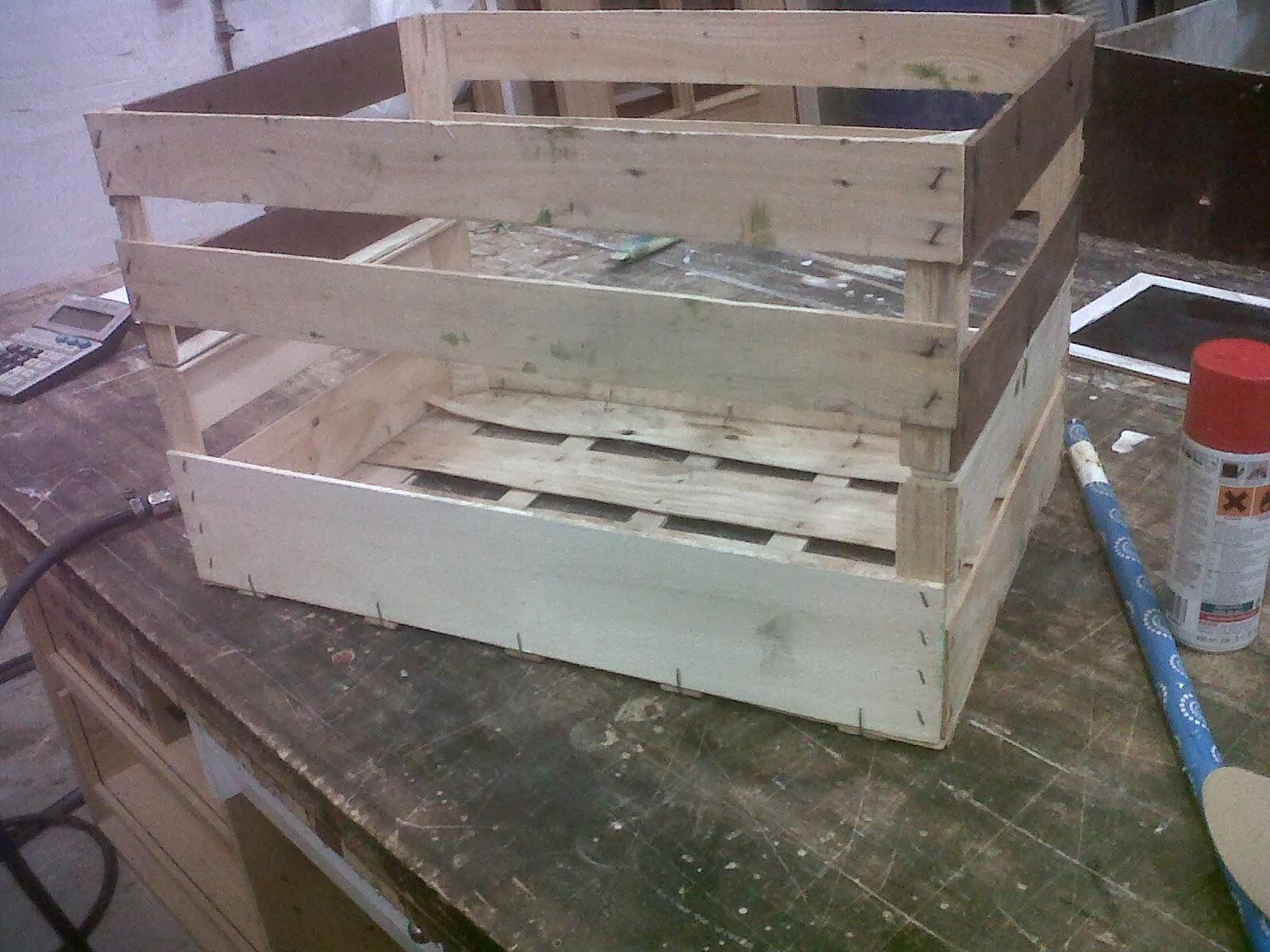 Como hacer un carrito con 2 cajones de fruta - Como hacer un carrito de chuches paso a paso ...