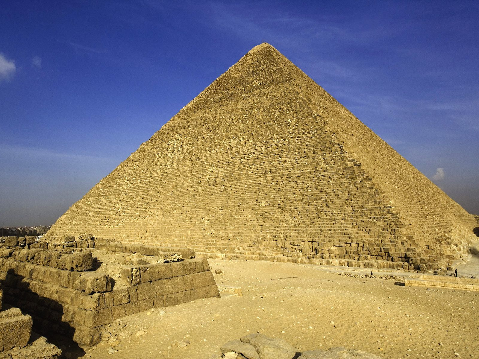 http://3.bp.blogspot.com/-6dbUqz9TDcw/TsUNaGEBkVI/AAAAAAAAFLY/NmNTlFUpvLs/s1600/egypt_pyramids_wallpapers_Great-Pyramid-Giza.jpg