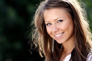 млада жена