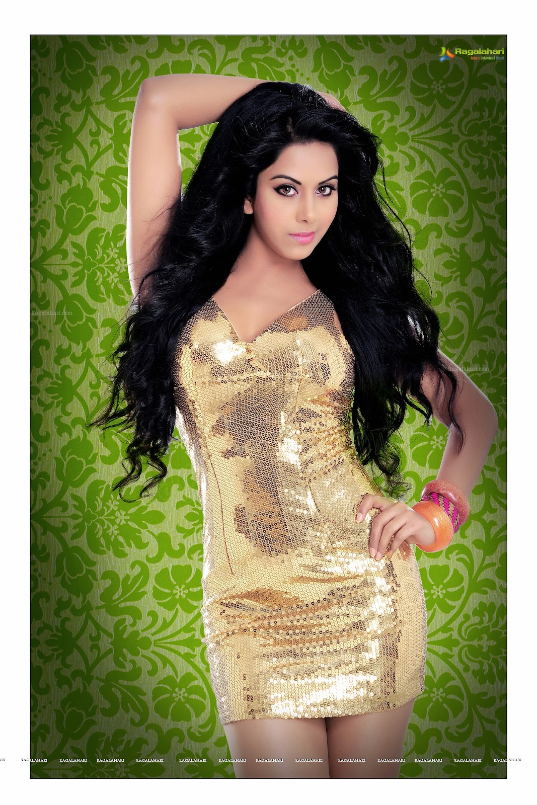 ,  Rachana Maurya Hot Hd Wallpapers In Shimmery Dress