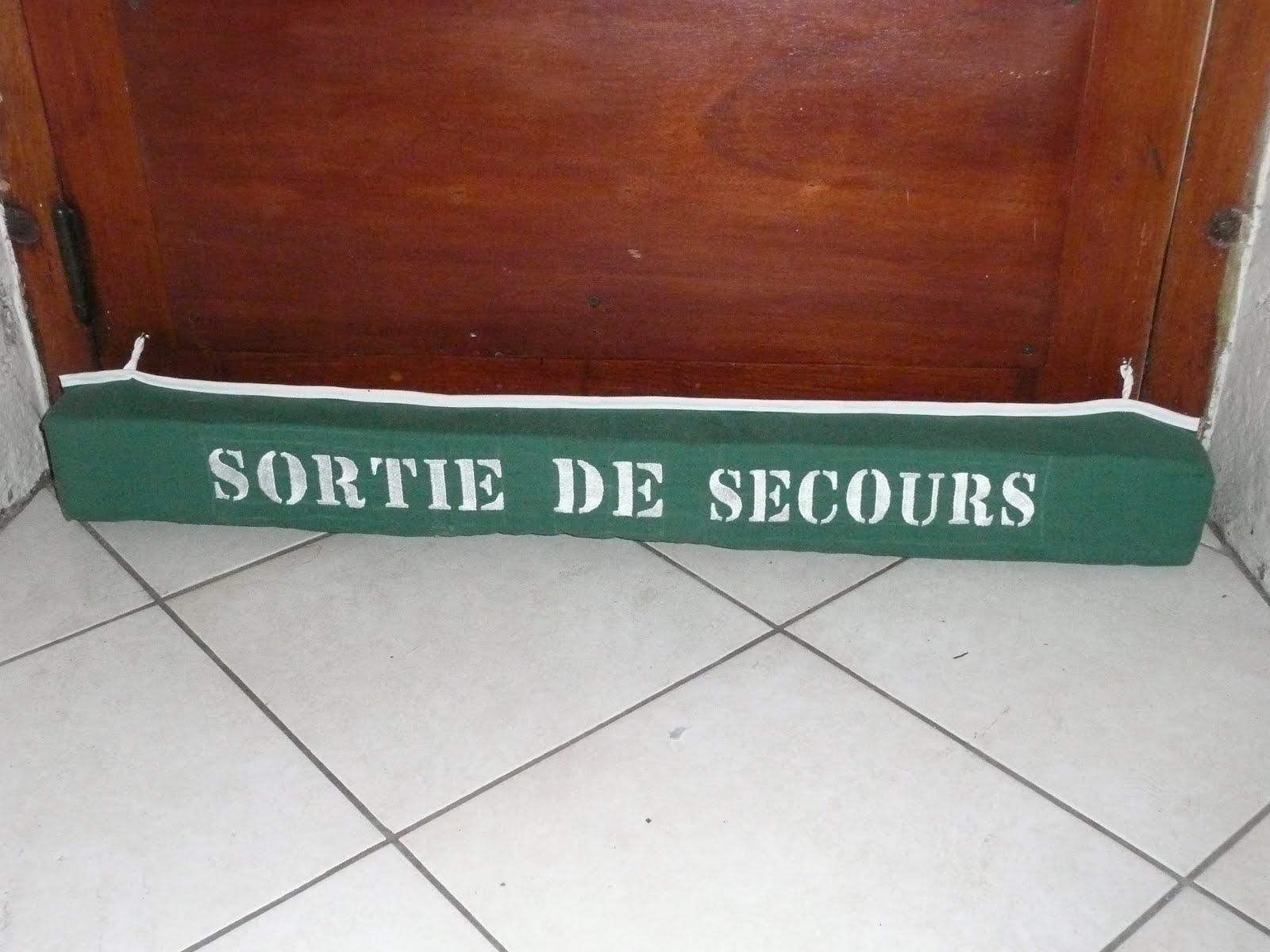 Les bricol 39 d 39 la tortue boudin de porte allez les verts for Boudin de porte ikea