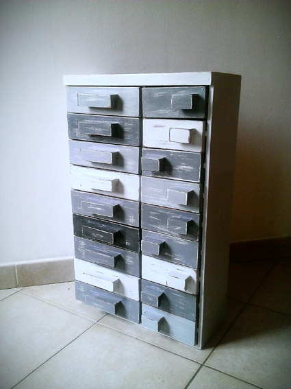 R nover un petit meuble casier mademoiselle je sais tout for Renover un meuble en bois