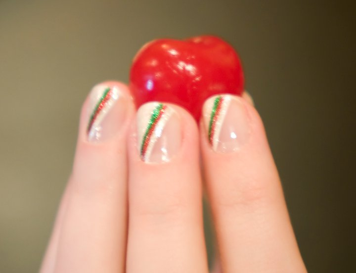Trishas Nail Designs Christmas Nails Glittery White With Red And
