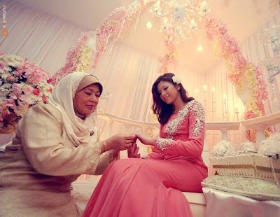 Gambar Pertunangan Zahiril & Shera