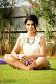 Iswarya menon glam pics-thumbnail-4