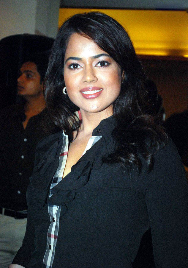 HOT PICTURE: Bollywood Actress Sameera Reddy Latest Photos