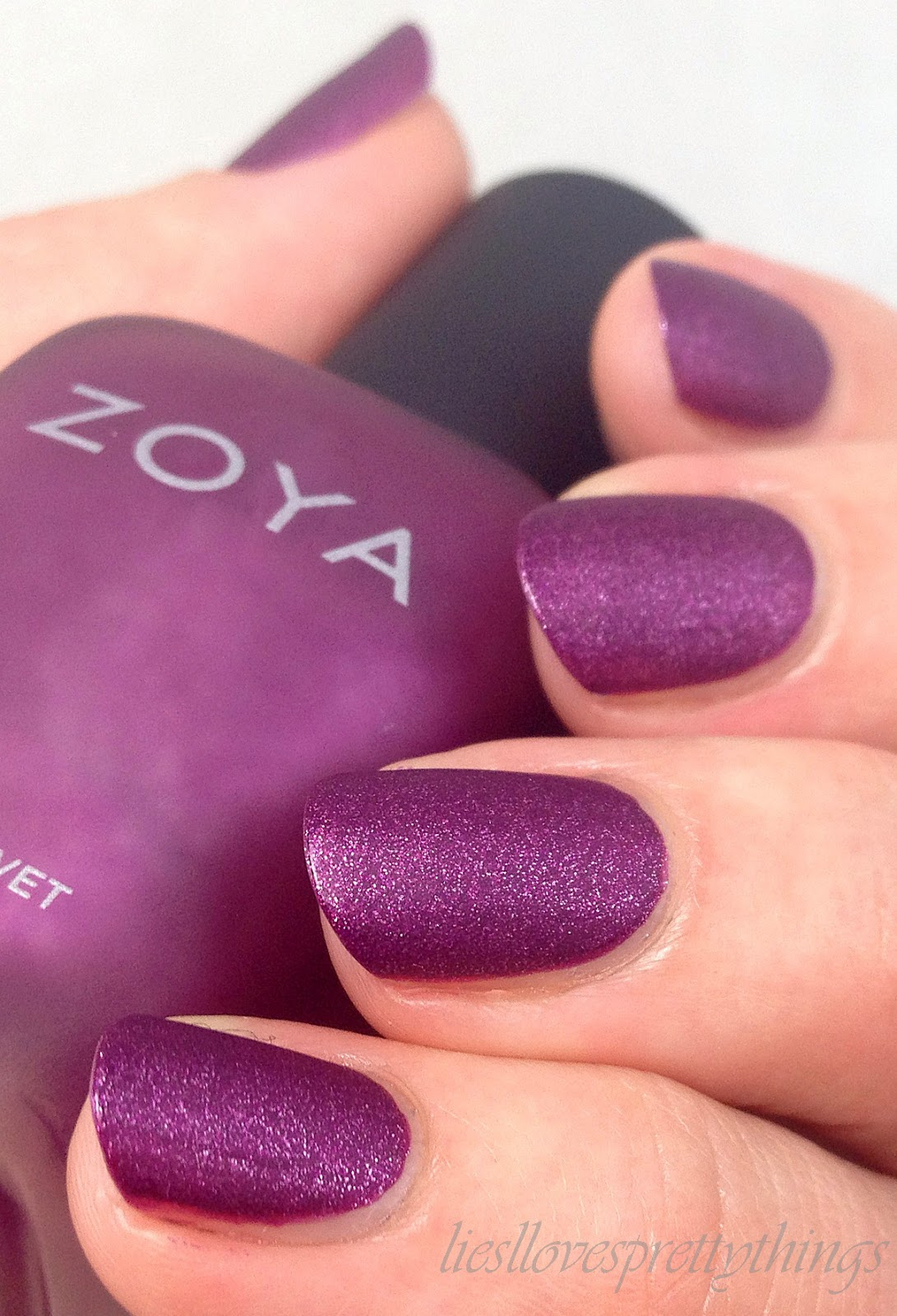 Zoya Harlow, Matte Velvet Collection swatch and review