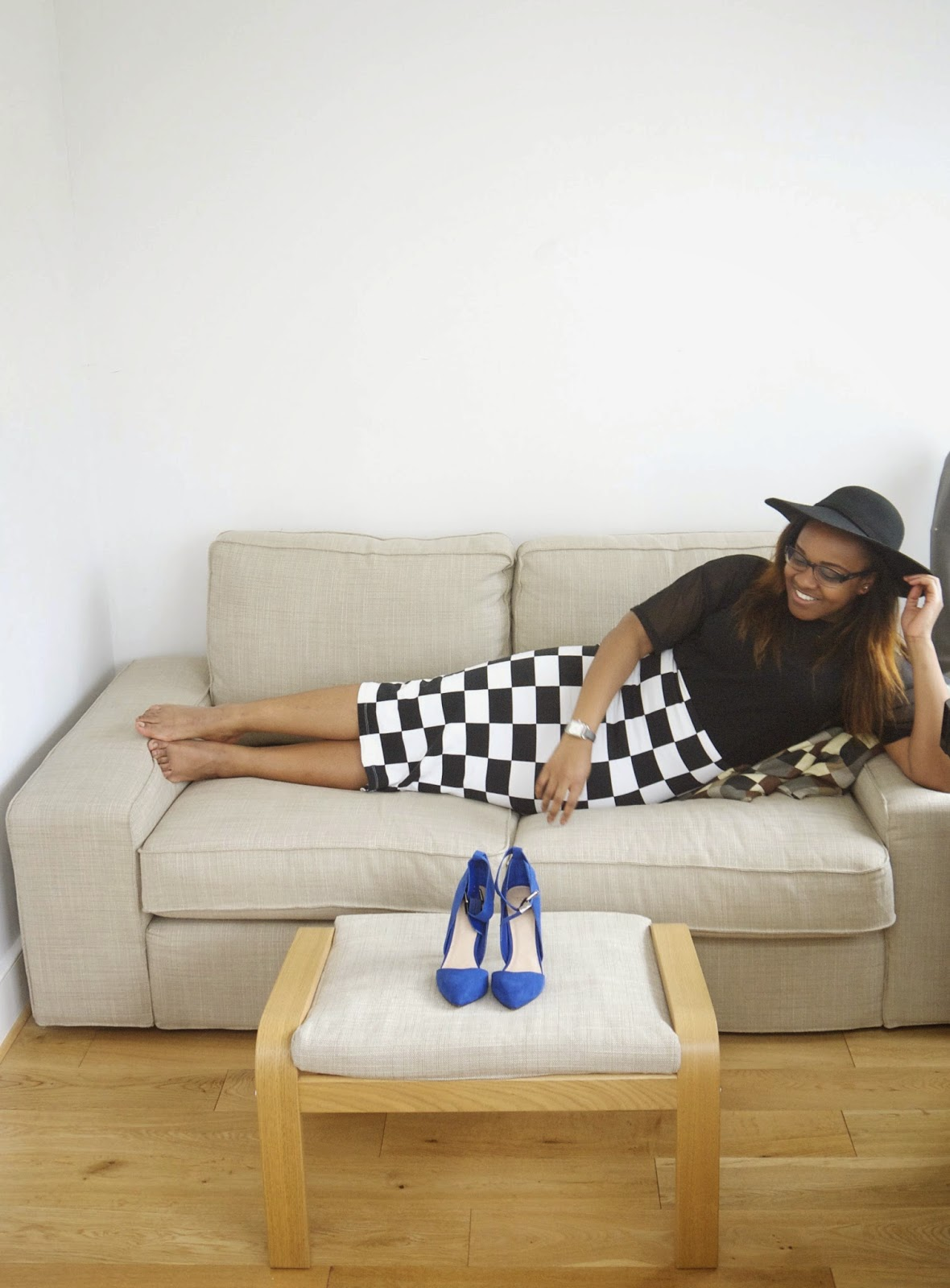 black fedora hat blogger urban outfitters sheer mesh top asos checkered black and white midi body con skirt asos cobalt heels la mode d'emm