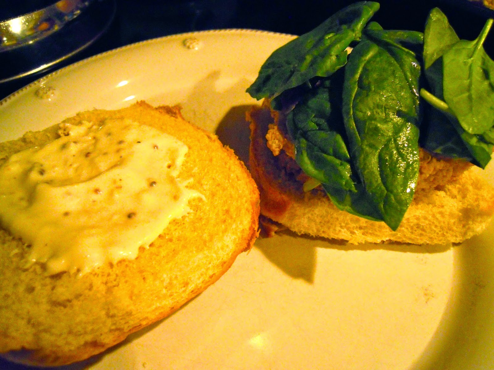 zucchini-chickpea-quinoa-burger