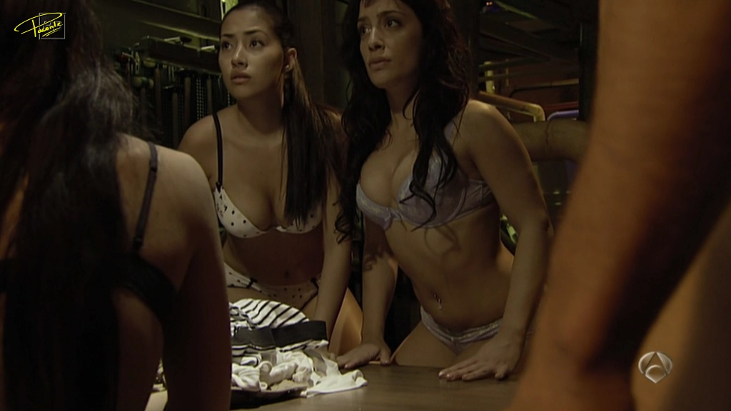 Mujeres Vestidas Hombres Desnudos - Porno -
