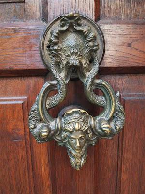 Puerta de entrada del castillo de Bran