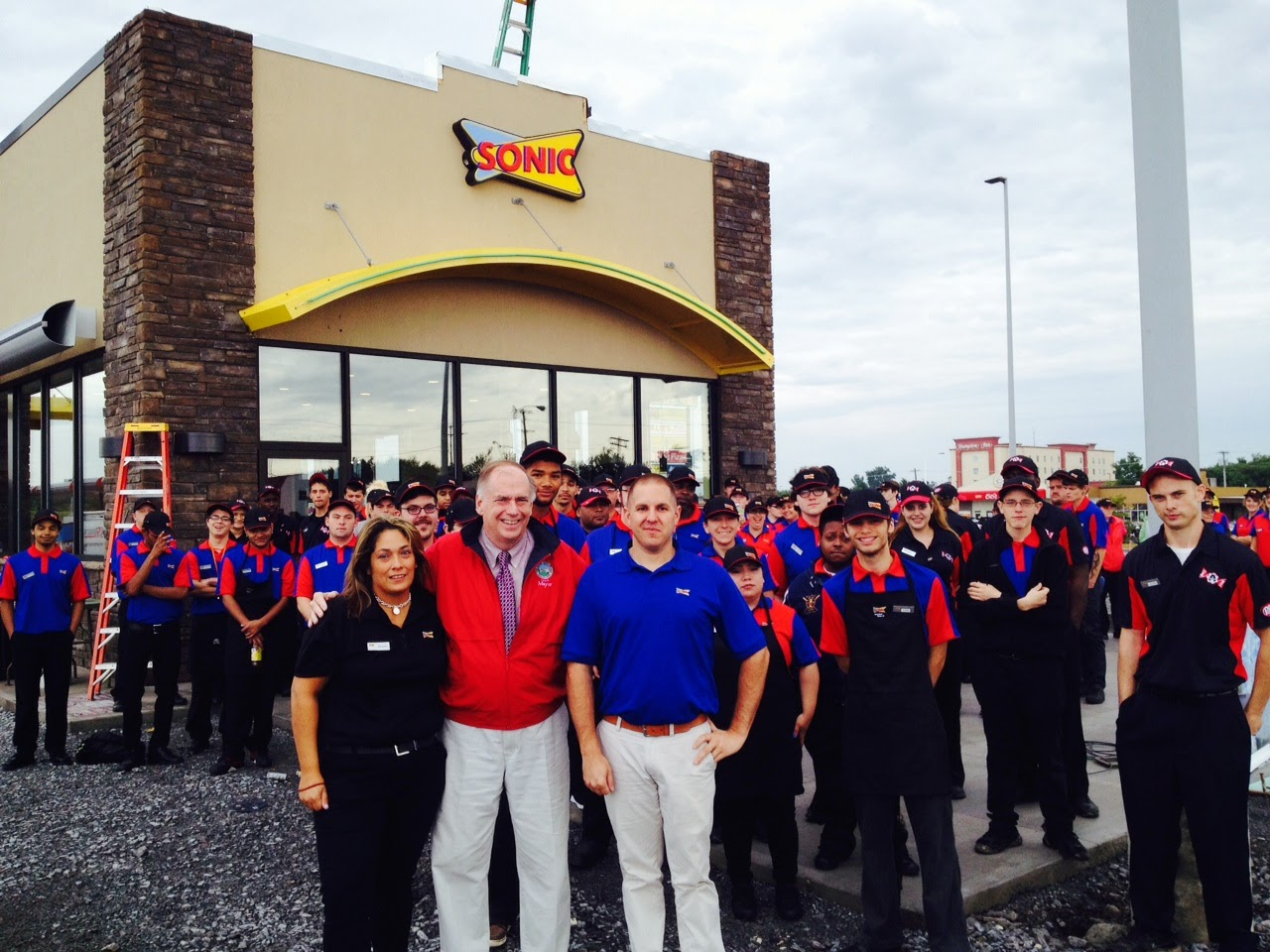 Sonic Staff Readies for Grand Opening