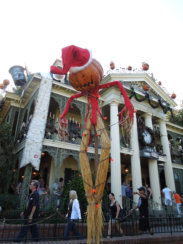 Disneyland Halloween Haunted Mansion