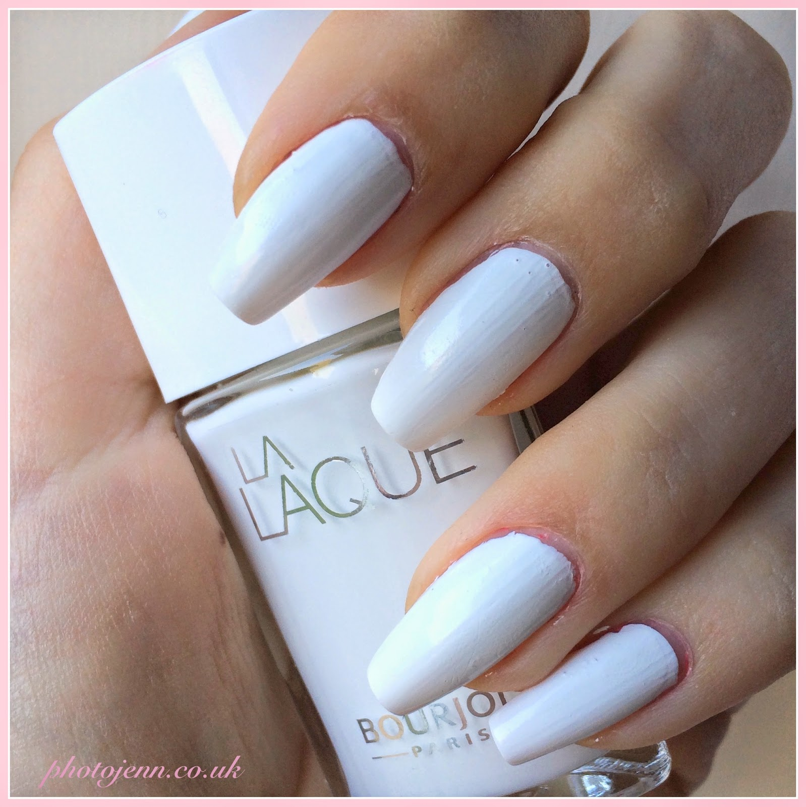 bourjois-la-laque-nail-polish-white-spirit-swatch