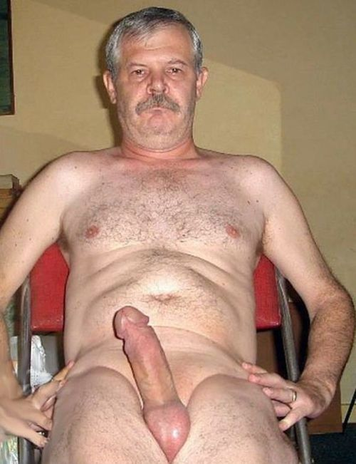 Sexy Mature Daddy Nude