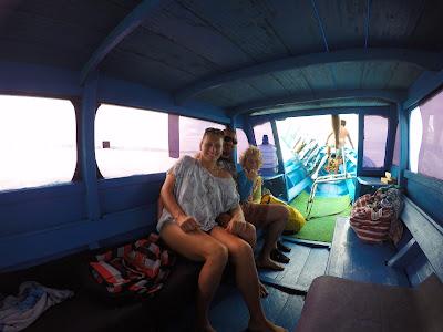 No Barco com a família australiana