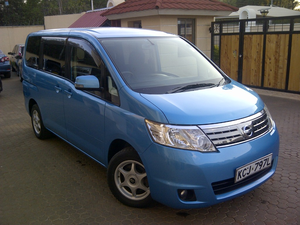nairobimail nissan serena 2009 fully loaded 2000cc sky blue. Black Bedroom Furniture Sets. Home Design Ideas