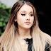 Ariana Grande queda libre de cargos por lamer donas