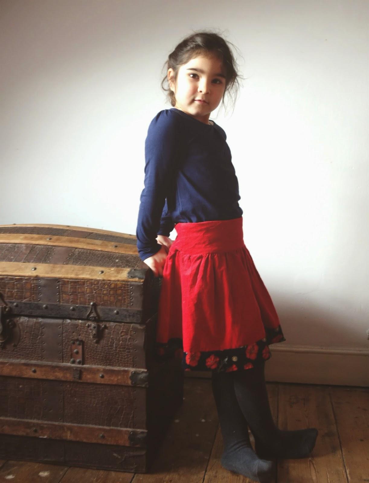 Red skirt akiko mano