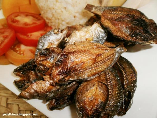 Crispy danggit and garlic rice on a sunday morning for Dry fish recipe