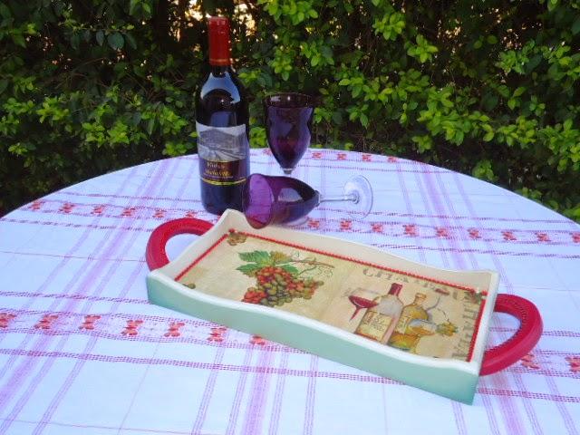 para vinhos e taças