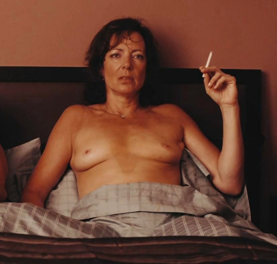 jennifer-beals-fake-nudes-hq-thumbnail-closeup-galleries-series